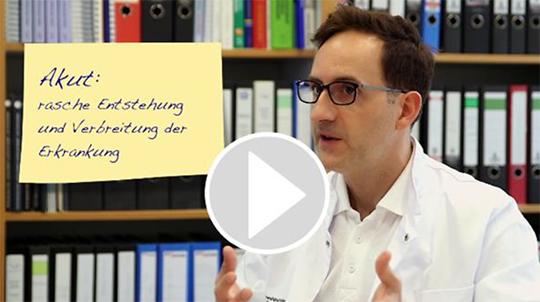 Abb. 1.: Neu auf krebsratgeber.de: PD Dr. med. Christoph Röllig, Uniklinikum Dresden, klärt in kurzen patientenfreundlichen Videosequenzen über die wichtigsten Fakten der AML auf.