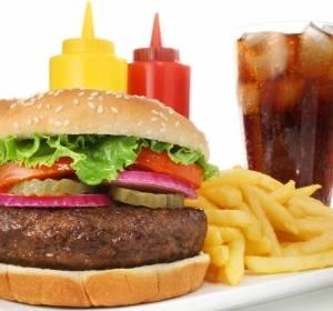 Zusammenhang zwischen Brustkrebs und ungesunder Ernährung in der Jugend