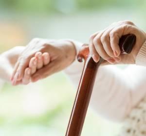 Strahlentherapie im Alter: Volle Heilungschancen bei stabiler Lebensqualität