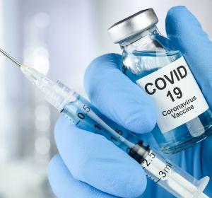 Geplante+Operationen%3A+%C3%84ltere+onkologische+Patienten+profitieren+von+Priorisierung+bei+COVID-19-Impfung